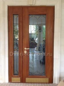 Двери с стеклопакетами и ковкой